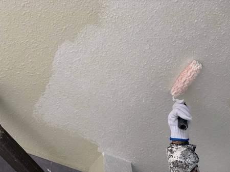 軒天塗装 下塗り